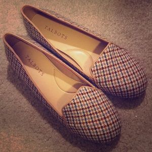 🆕 Talbots houndstooth loafers size 6